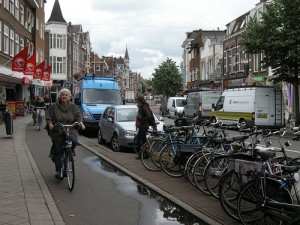 Dutch Street, Cycling for all, Photo courtesy http://aseasyasridingabike.wordpress.com/